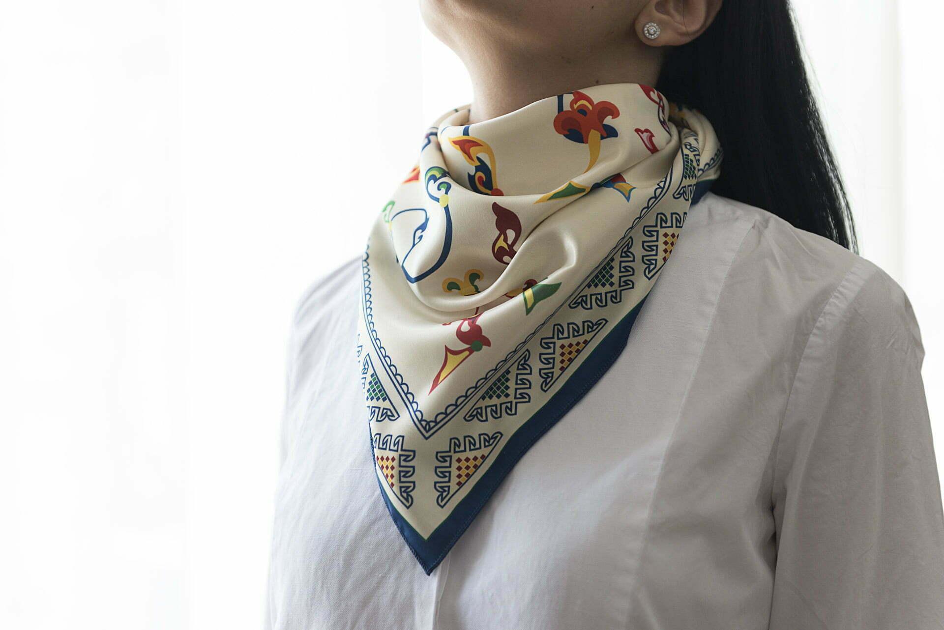 "Silk scarf ""Armenian medieval ornamental letters""- img. 2"