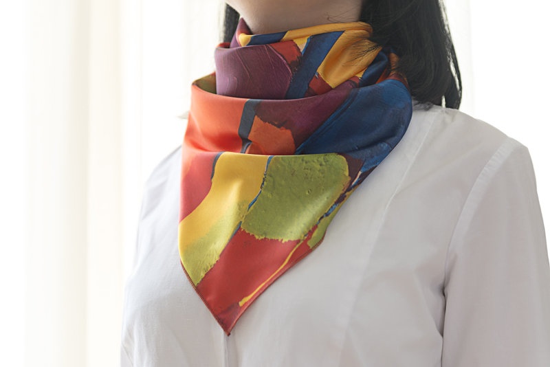 "ՇաSquare neck scarf ""Autumn Alley"" - img. 2"