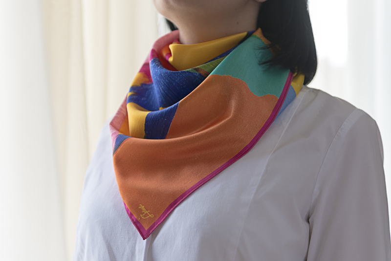 """Square neck scarf """"Northern Sun"""" - img. 2"""