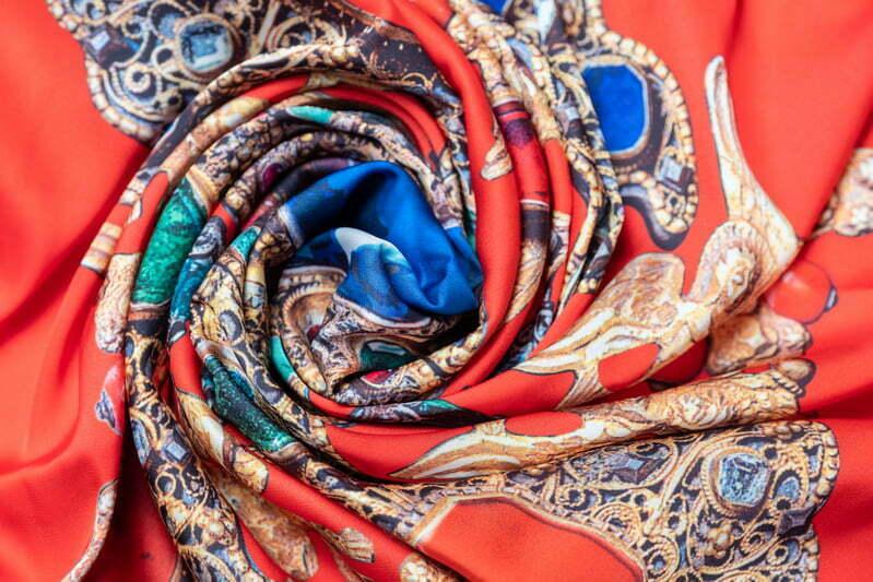 "Square neck scarf ""Cross-Reliquary""- img. 2"