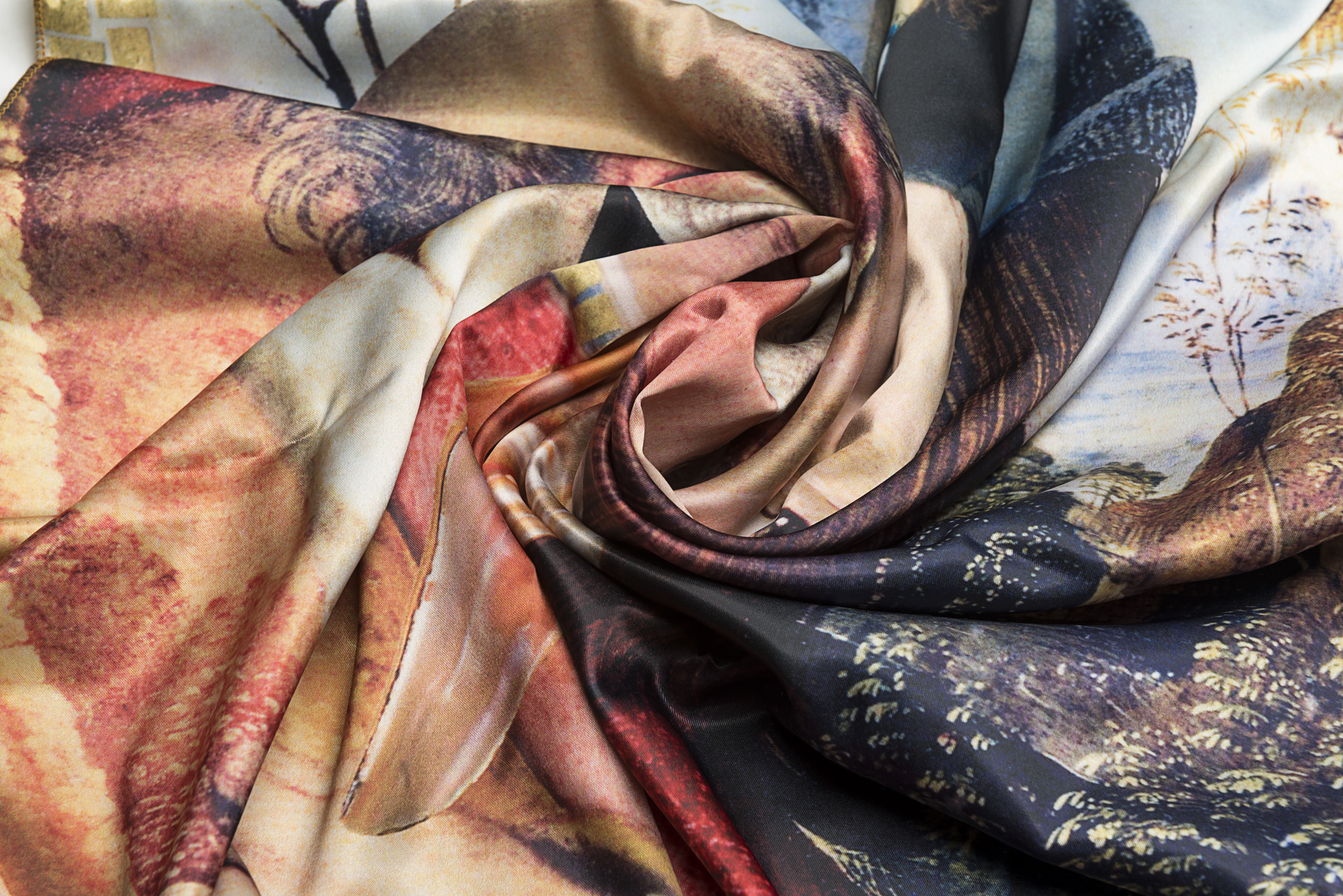 """Neck Scarf """"Variation with Shell on Themes by Pinturicchio and Raphael""""- img. 3"""
