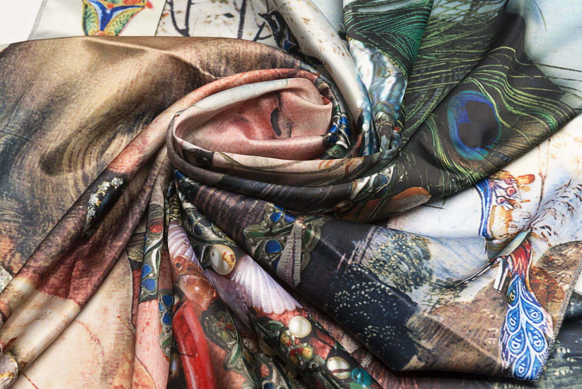 "Silk scarf ""Variation themes by Pinturicchio and Raphael""- img. 3"