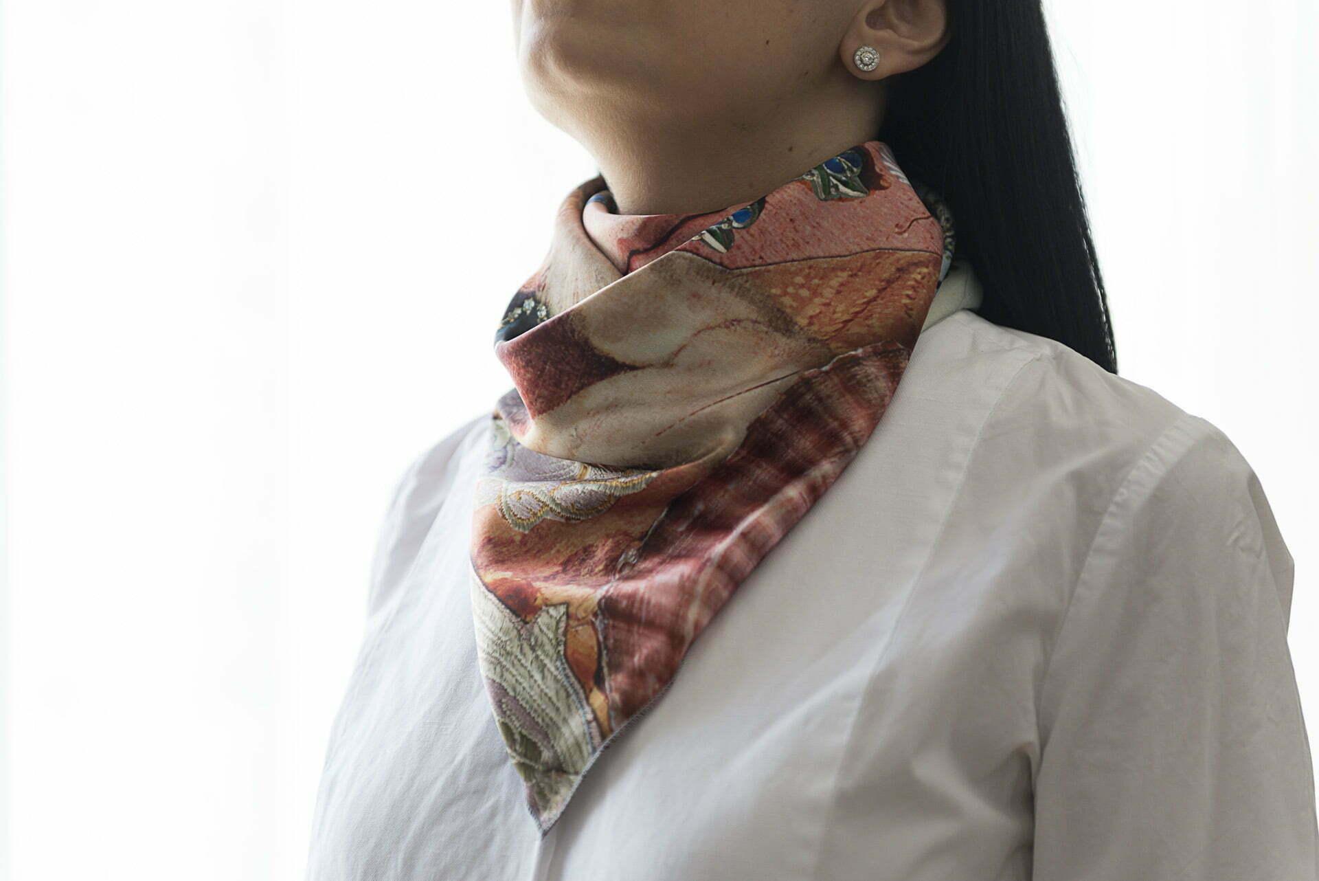 "Silk scarf ""Variation themes by Pinturicchio and Raphael"" - img. 2"